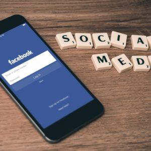 Réseaux sociaux - Facebook - Réseau social